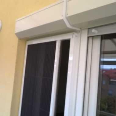 LG Mont plise komarnik